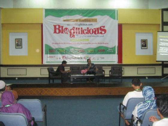Asri Tadda di Blogilicious Fun Makassar