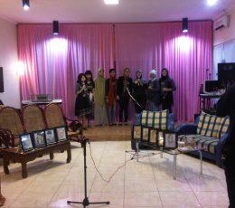 Para Penulis 9 Pengakuan Berpose Bersama di Akhir Acara Launching