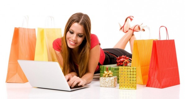 Wanita Berbelanja Online Fashion