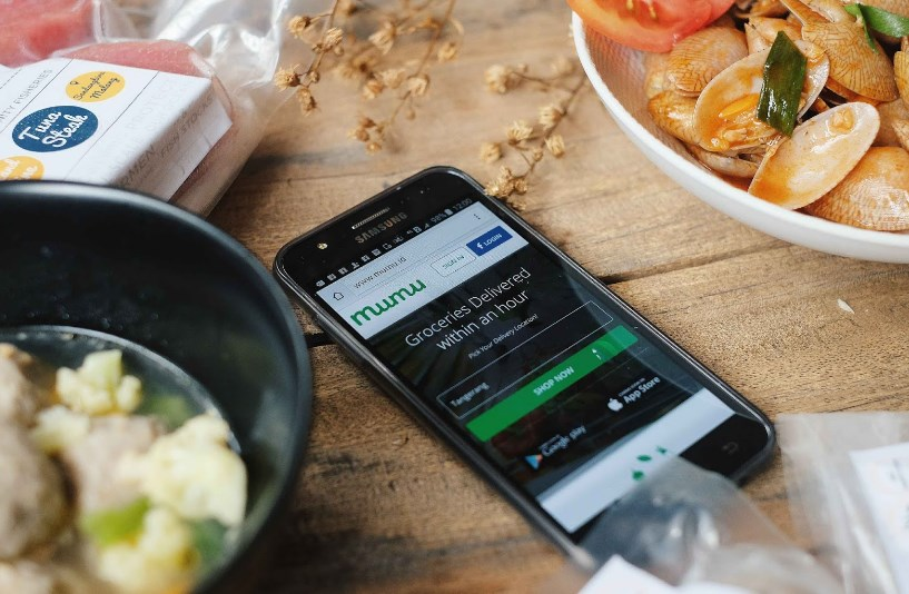 Order Makanan Online via Aplikasi